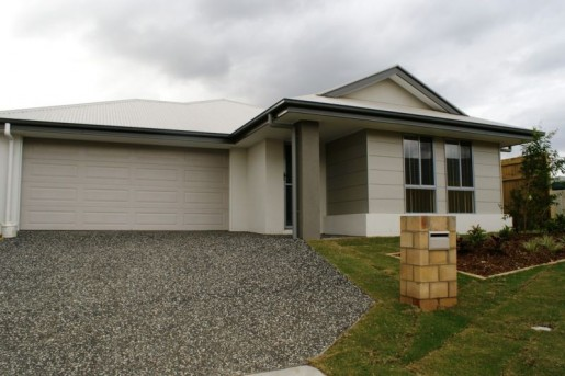 74 Francisca Drive AUGUSTINE HEIGHTS - Rental - First National Real Estate Action Realty Ipswich