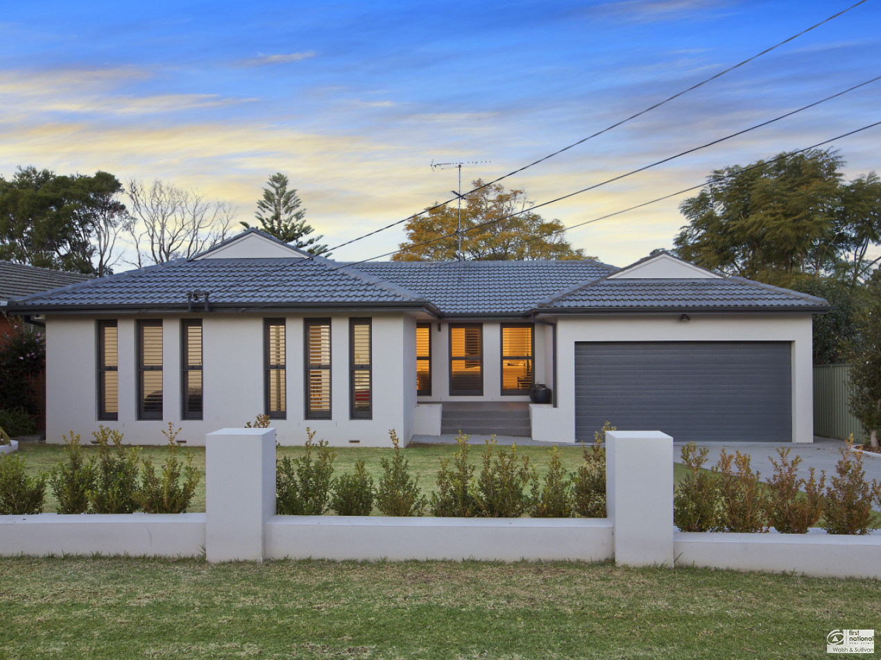 54 Rondelay Drive CASTLE HILL