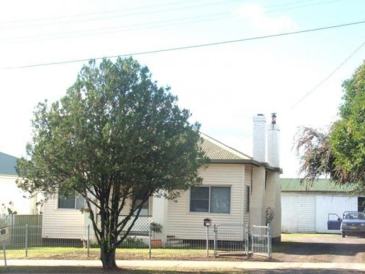 208 Lang Street GLEN INNES - Sale - First National Real Estate Robyn Willis