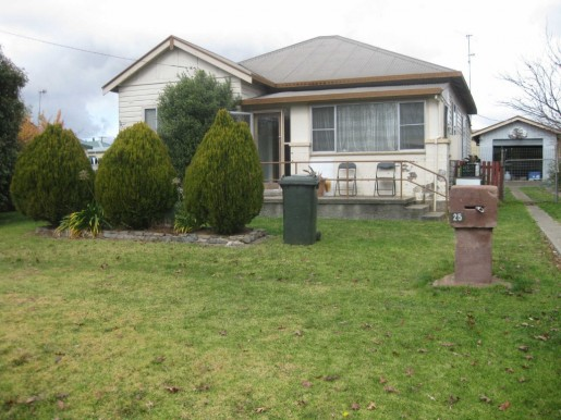 25 George Street GLEN INNES - Sale - First National Real Estate Robyn Willis