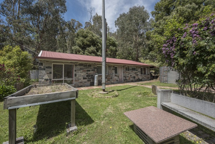 8 Silver Parrot Road