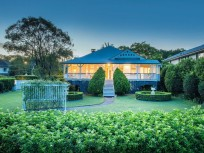 Stunning Queenslander on a Sprawling 1,348m2