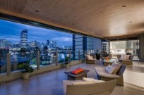 Boutique North Facing Riverside Residence with Spectacular River and City Views
