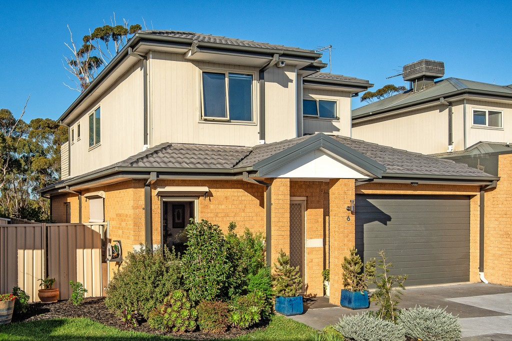 6/ 9 Trembath Court ALTONA MEADOWS