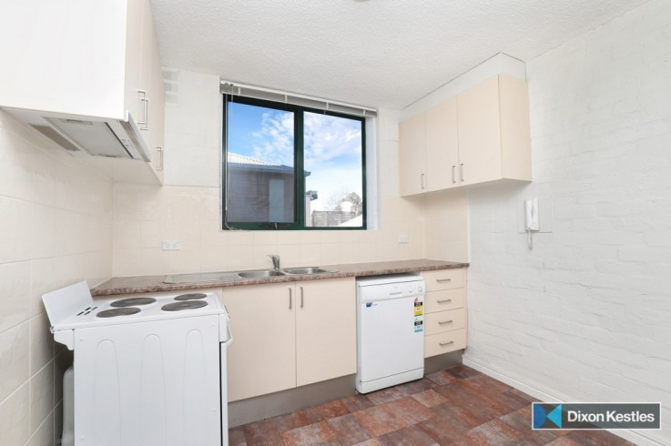 2/227 Bridport Street West