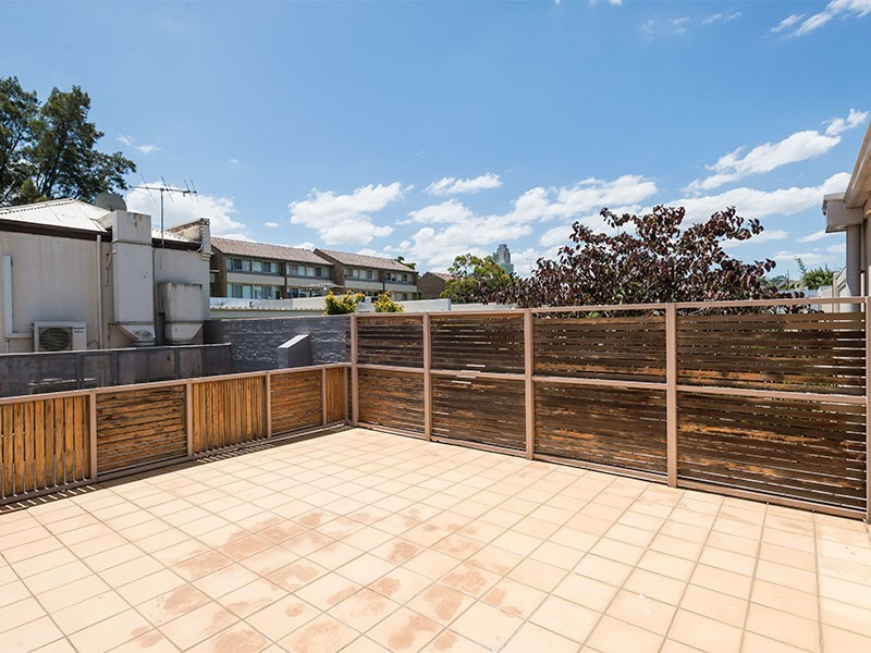 2/286 Albert Road SOUTH MELBOURNE