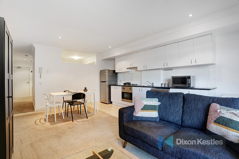 206/69-71 Stead Street SOUTH MELBOURNE