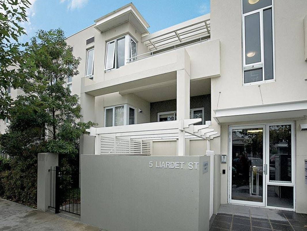1/5 Liardet Street PORT MELBOURNE