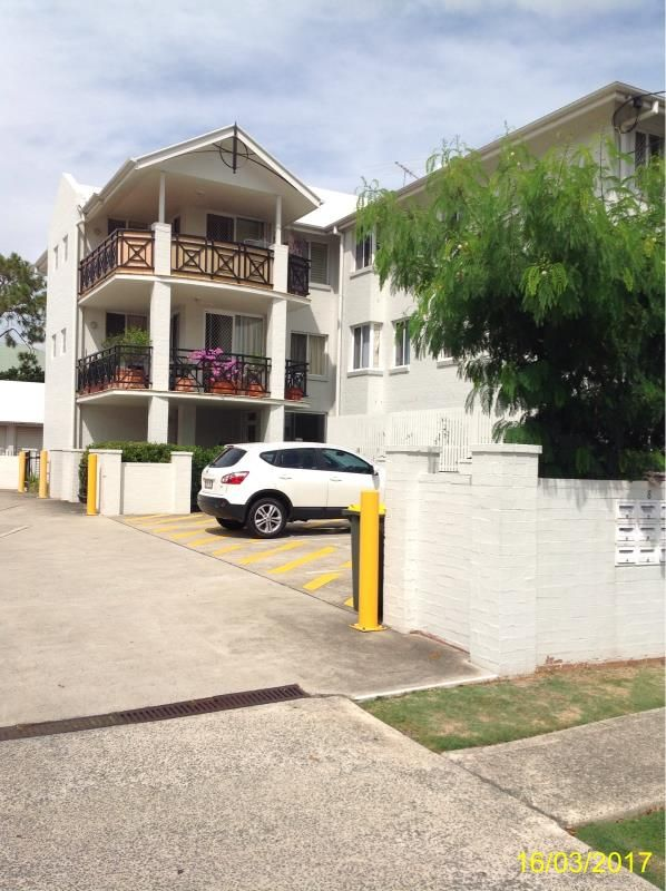 2/8 Stain St