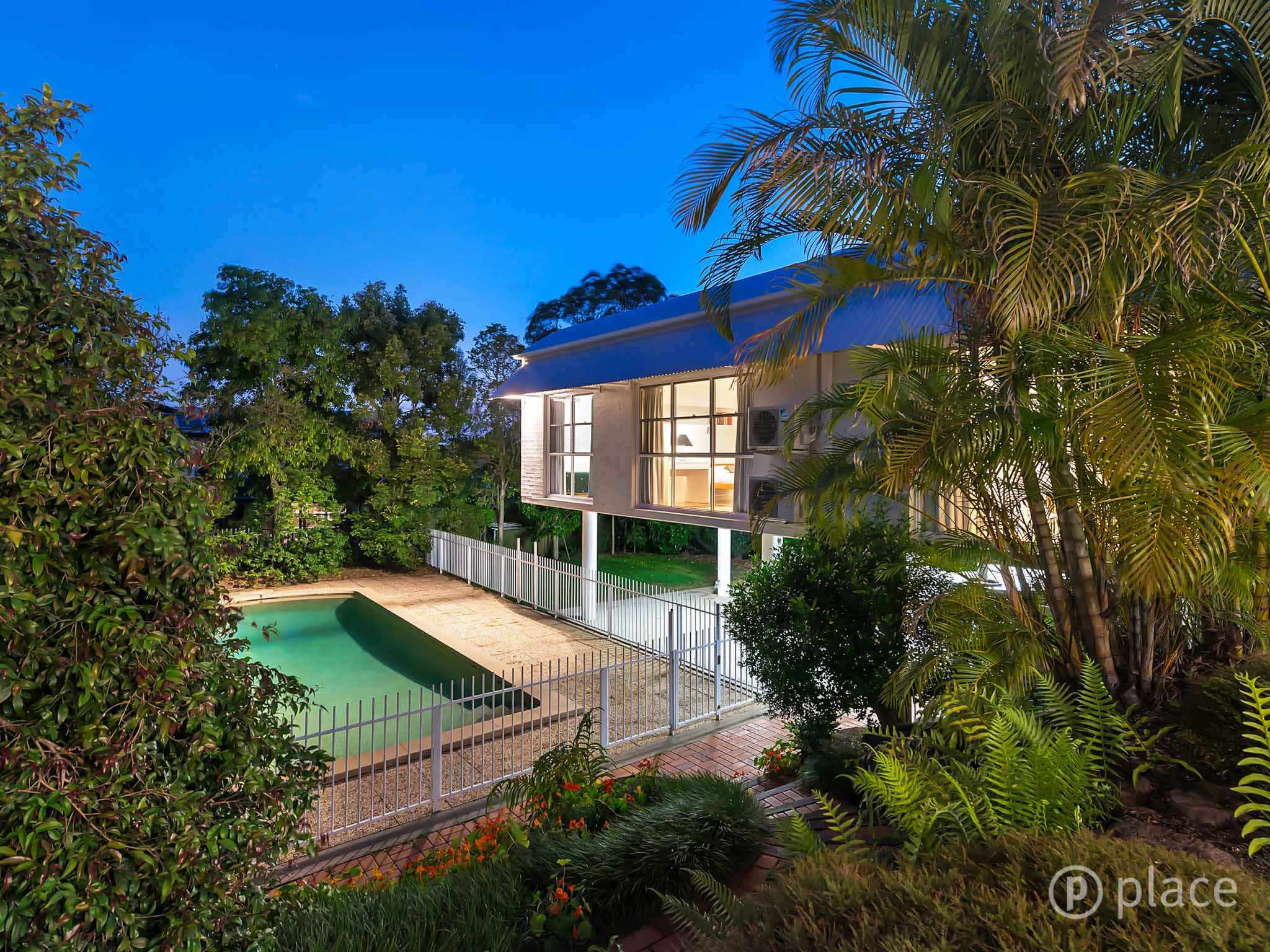 15 Meiers Road INDOOROOPILLY