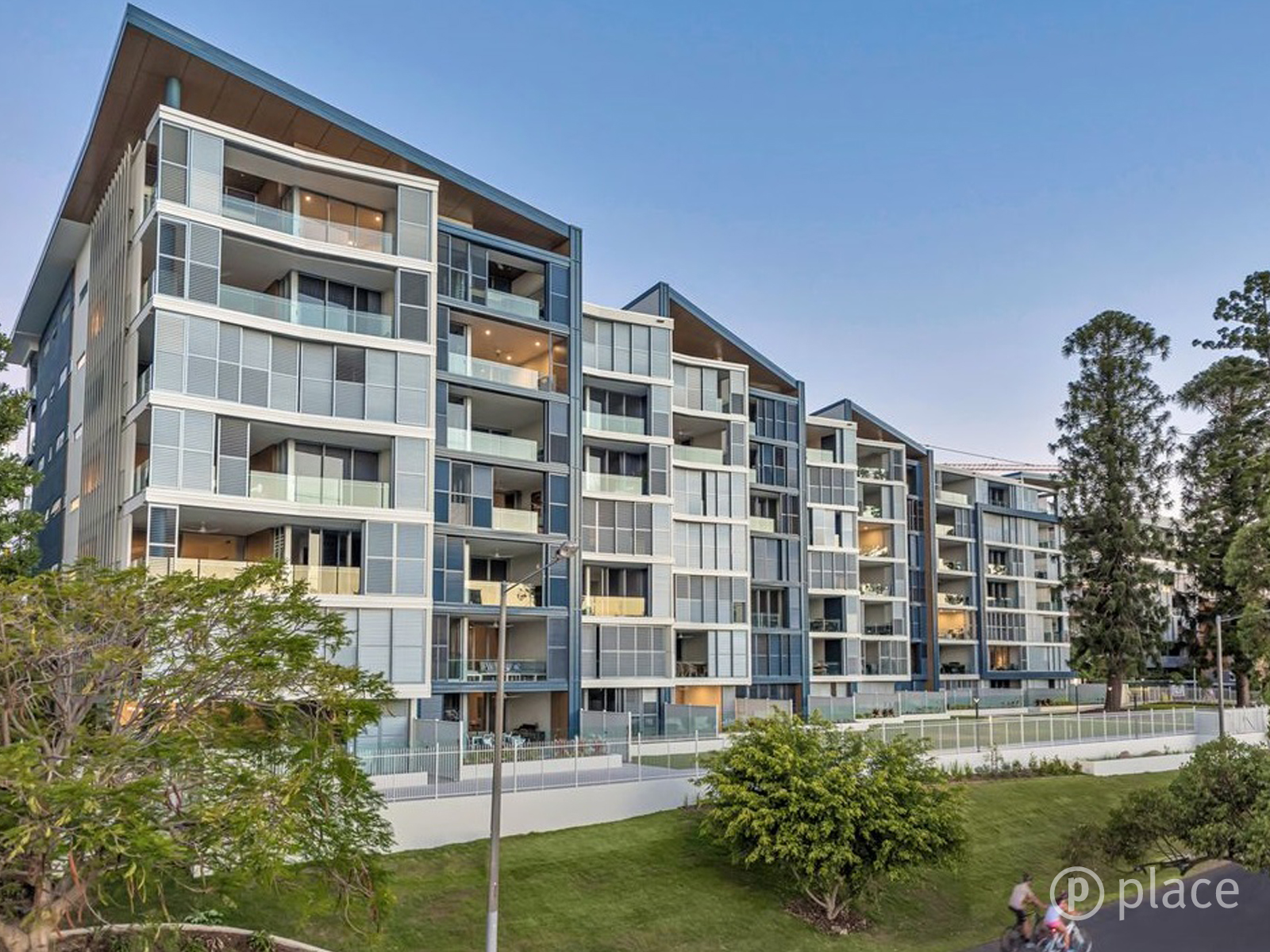 510/51 Ferry Road WEST END