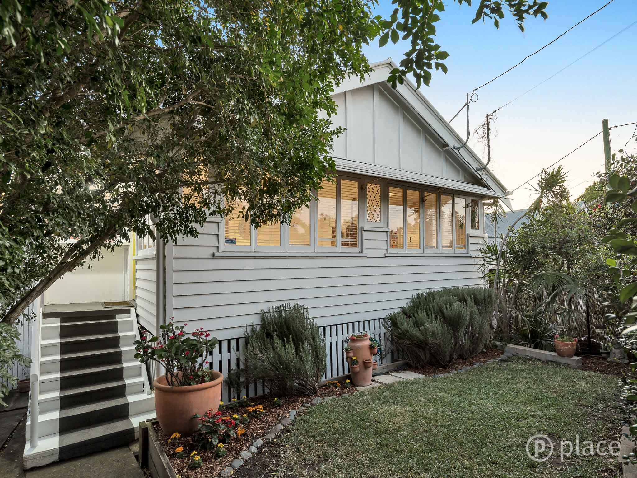 10 St Barnabas Place RED HILL