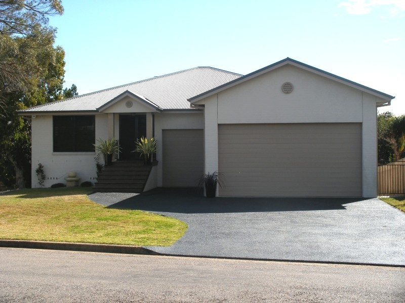 6 Barrellier Close RAYMOND TERRACE