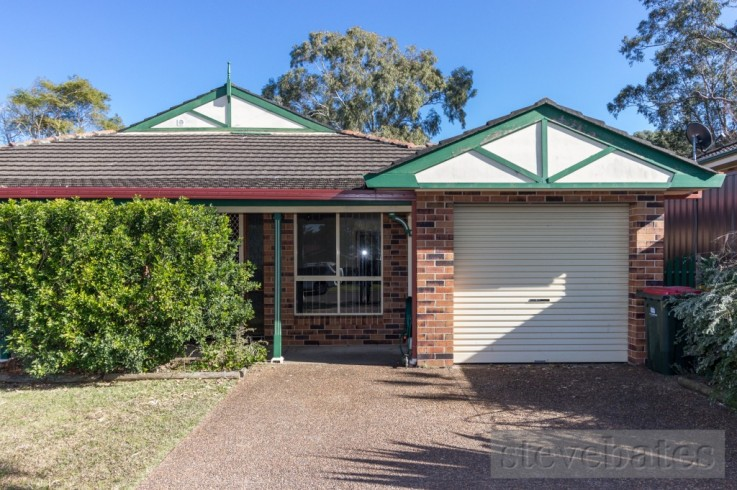 2/5 Kingsford Smith Close