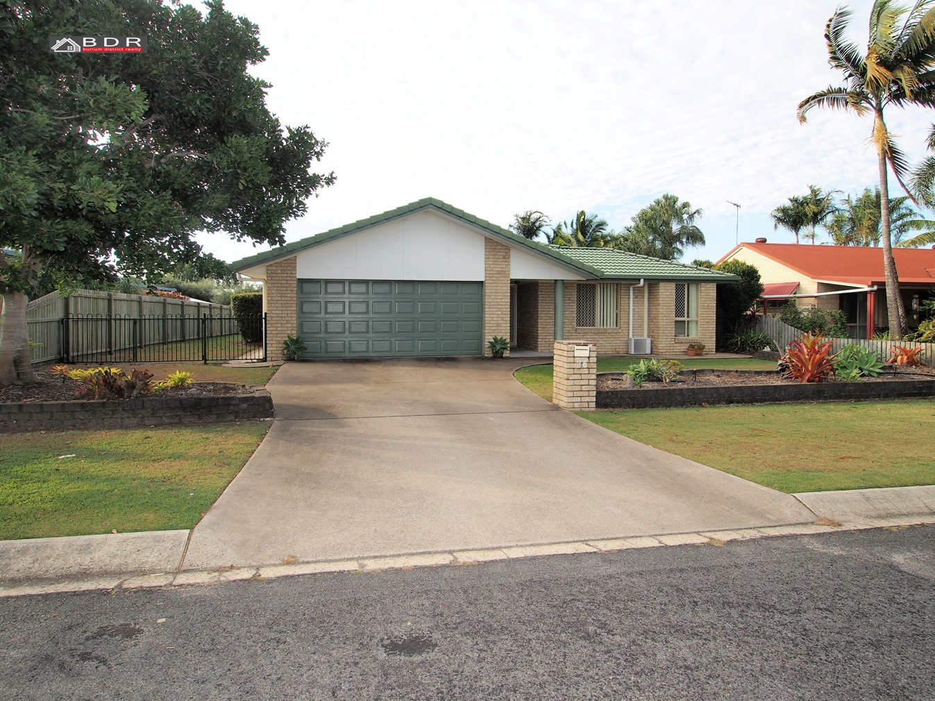 28 Beach Drive BURRUM HEADS
