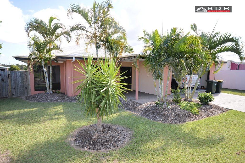 33 Traviston Way BURRUM HEADS