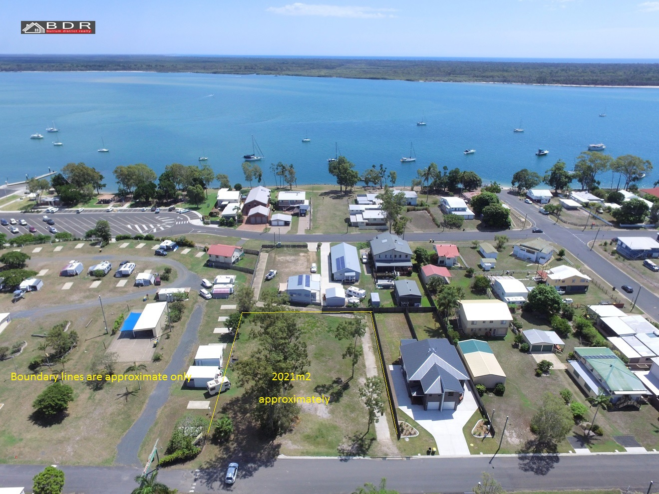 4 Howard Street BURRUM HEADS