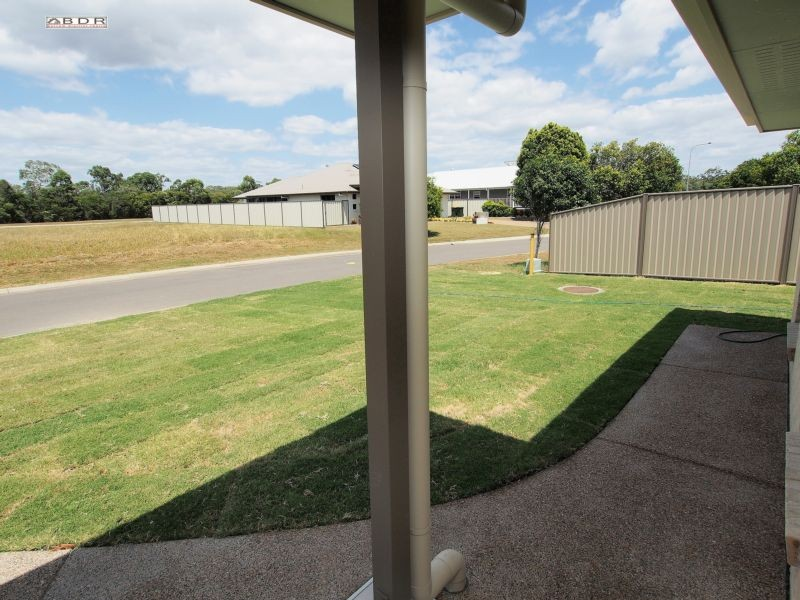 1/1 Traviston Way BURRUM HEADS