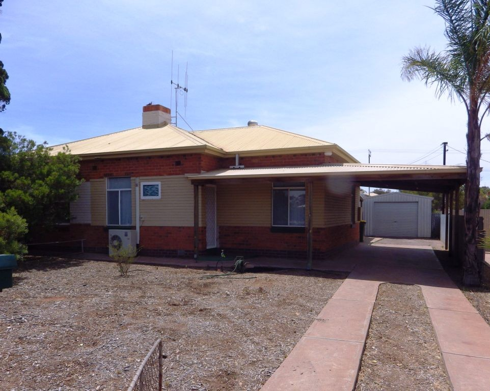 128 PLAYFORD AVENUE WHYALLA
