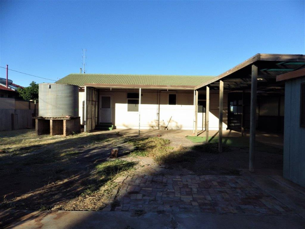 16 RACECOURSE ROAD WHYALLA NORRIE