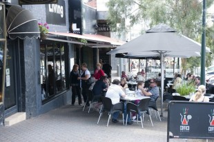 Templestowe Village enjoys great restaurants, cafes & shops