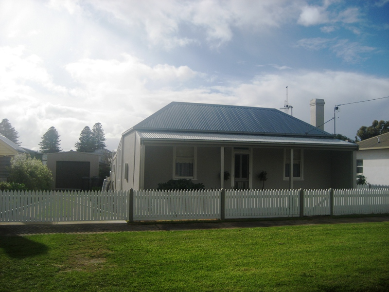 11 Albert Street PORT FAIRY