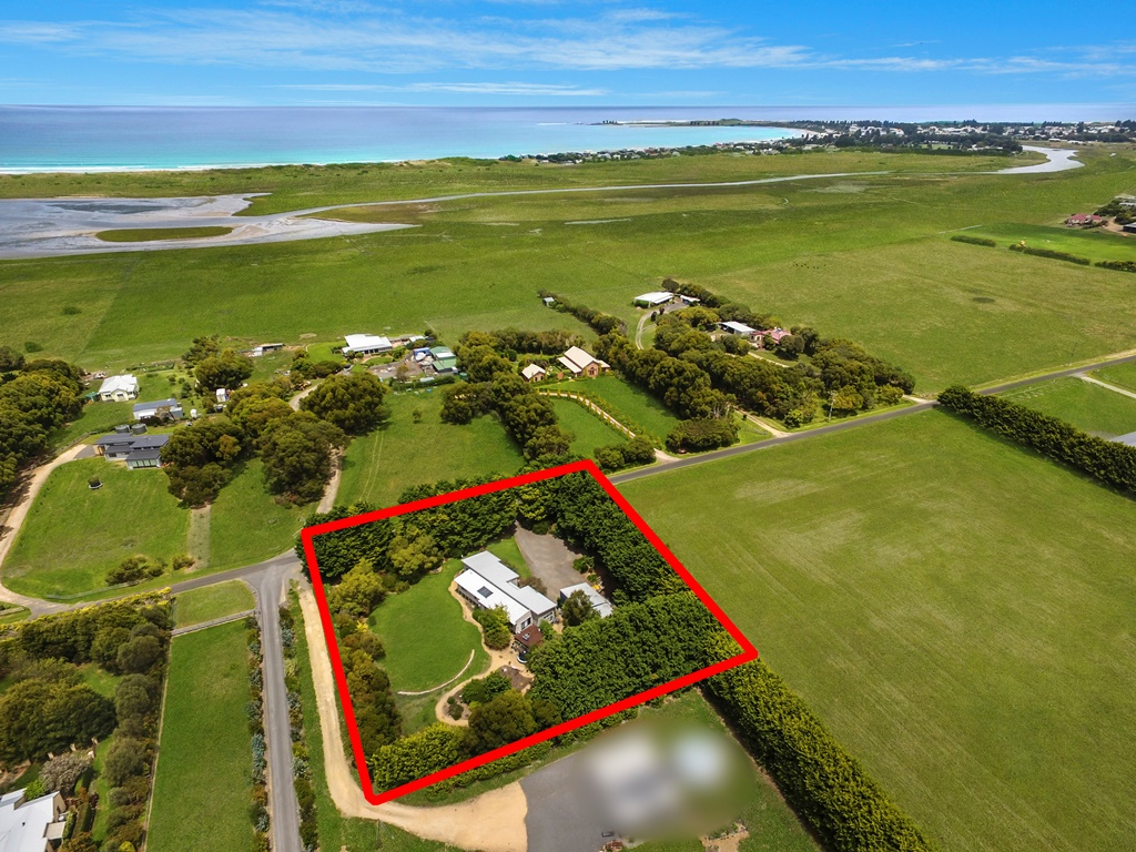 58 Model Lane PORT FAIRY