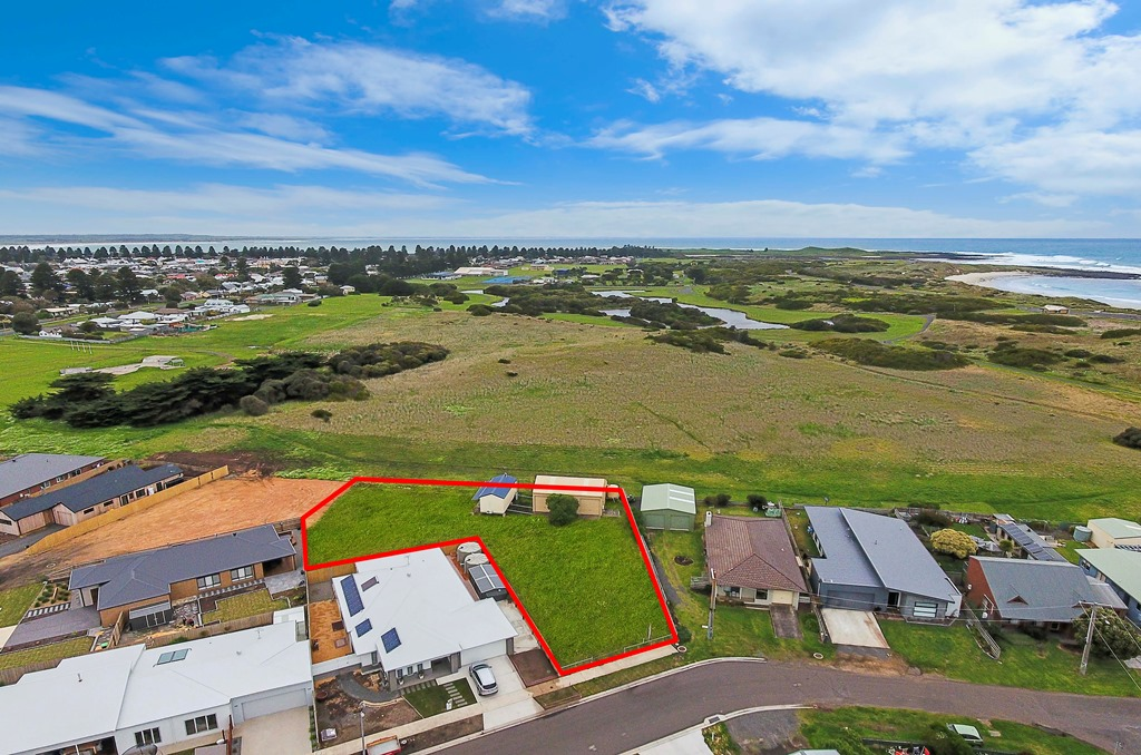 24 Mills Crescent PORT FAIRY