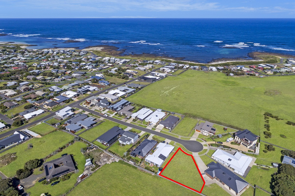 18 Martin Laurence Place PORT FAIRY