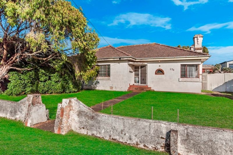 176 Princes Highway PORT FAIRY