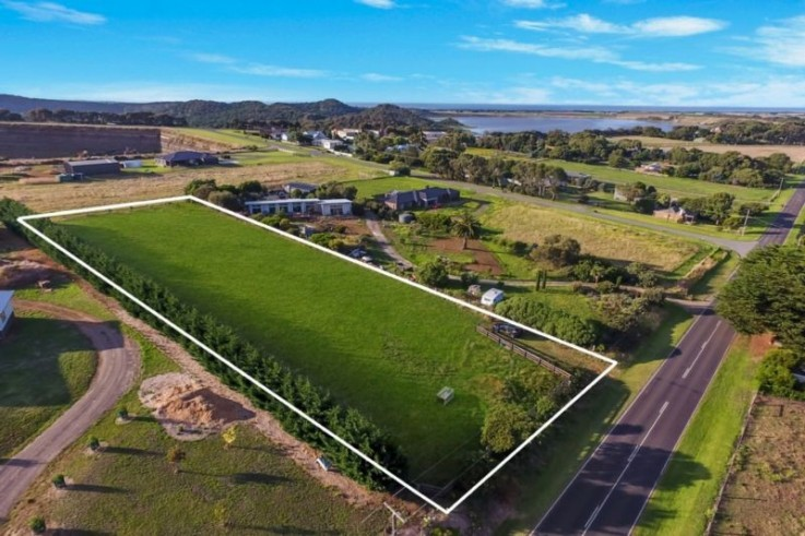 556 Koroit-Port Fairy Road
