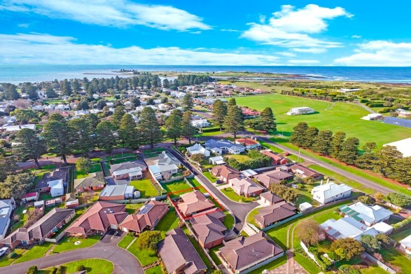 6 Dunlee Way PORT FAIRY