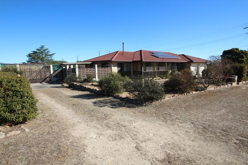 77 College Road STANTHORPE