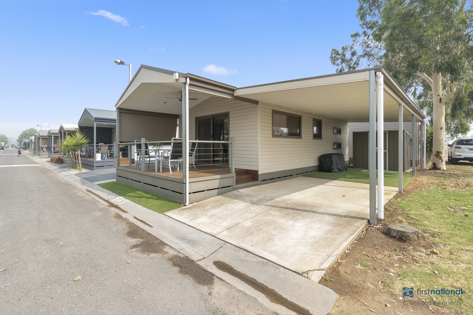 E65/18 Sun Country Holiday Park MULWALA