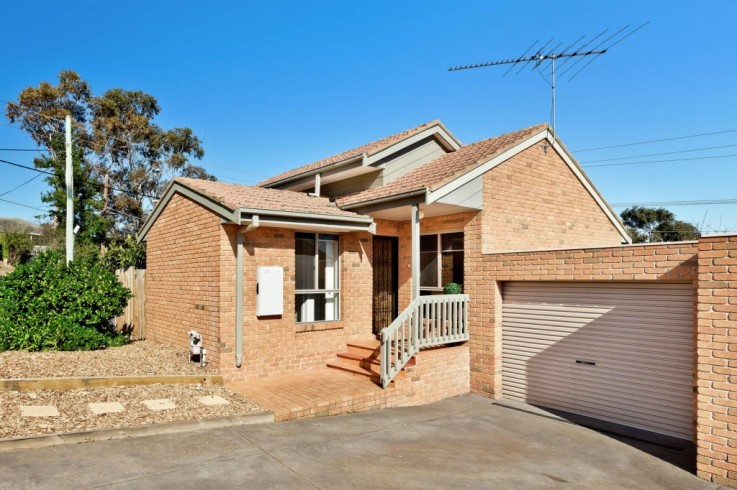 1/3 Airlie Road