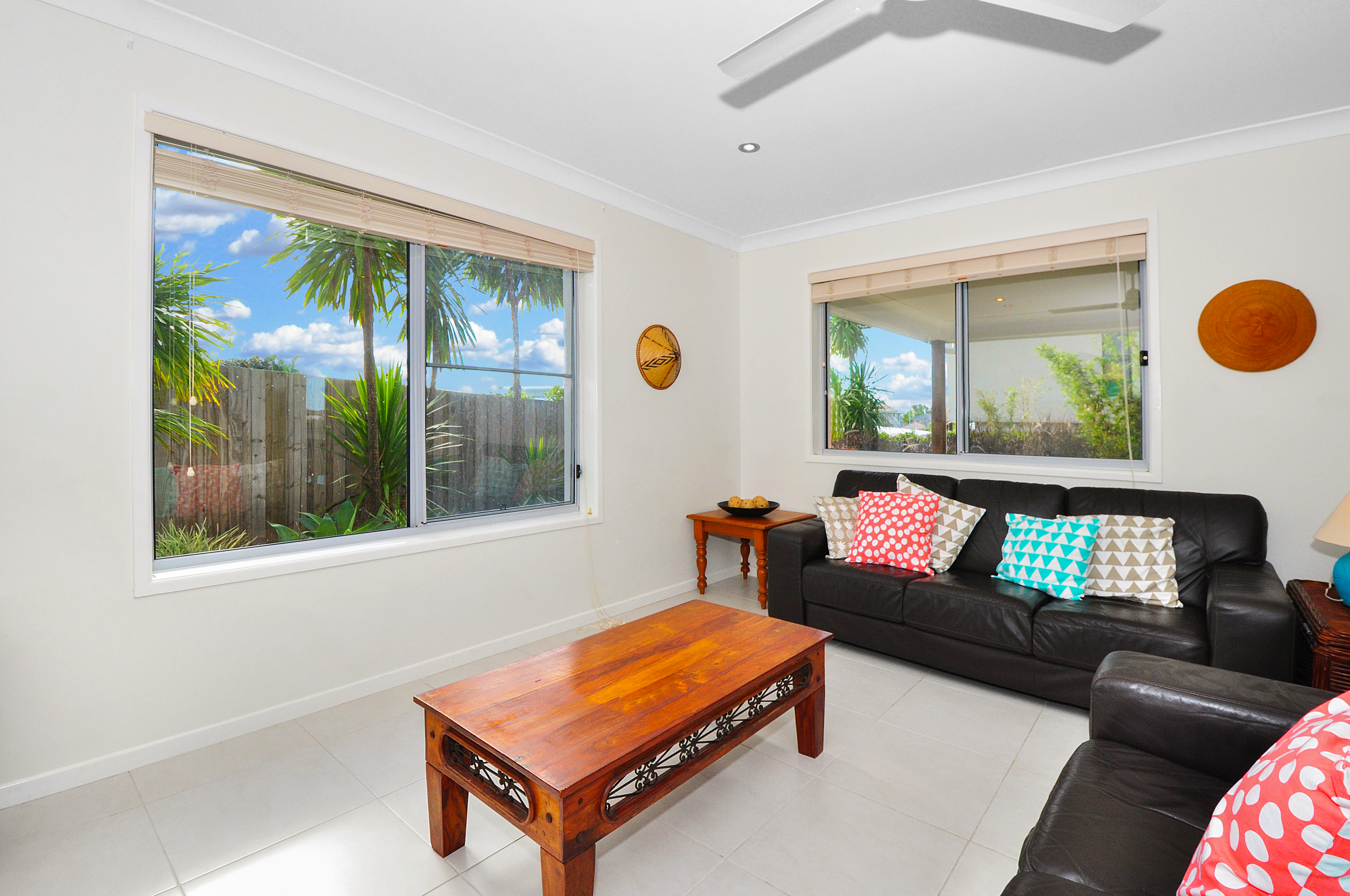 2/4 Ponsford Place POTTSVILLE