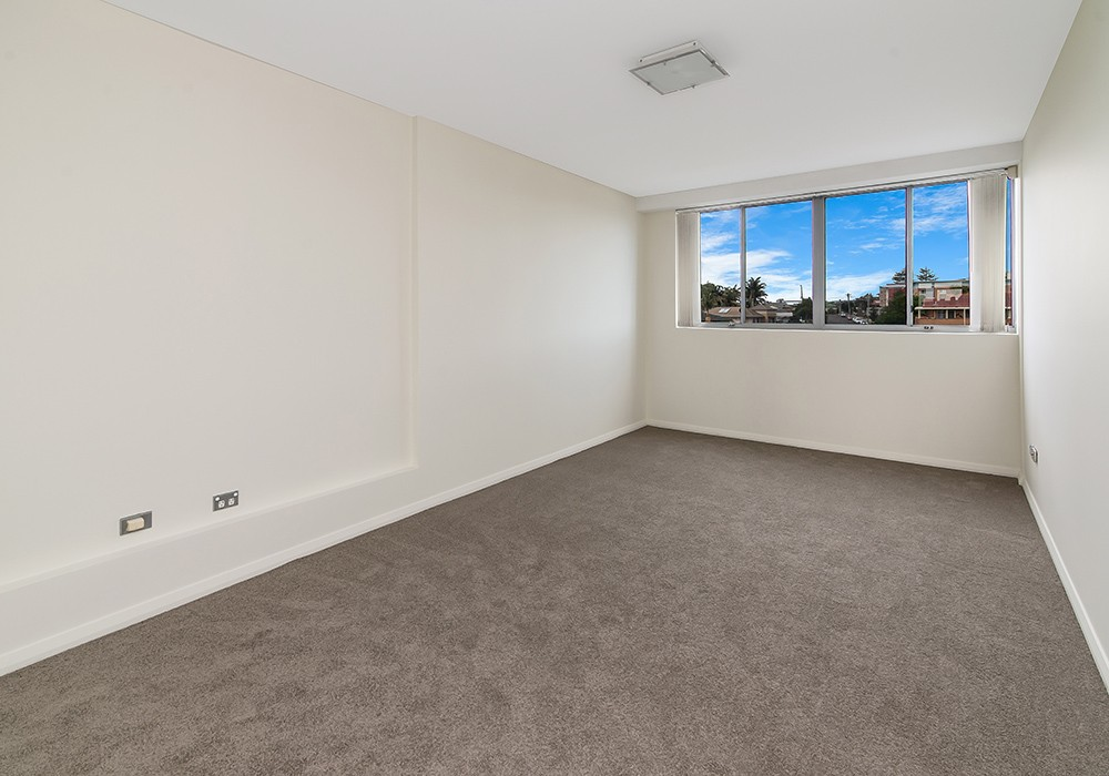 19/2-6 Warrigal St THE ENTRANCE