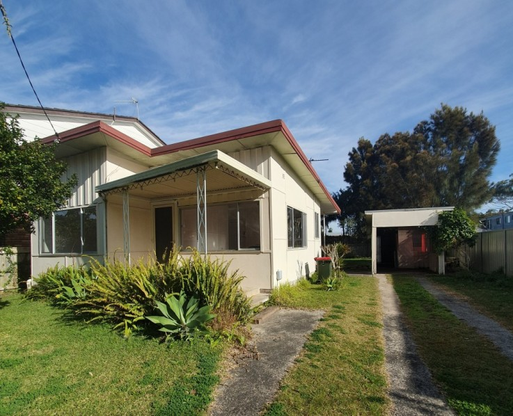 25 Lakeside Pde