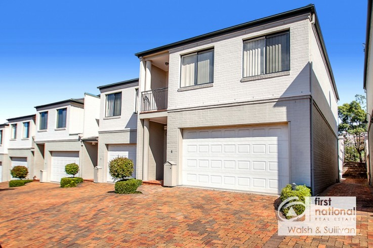 8/4 Hindle Terrace