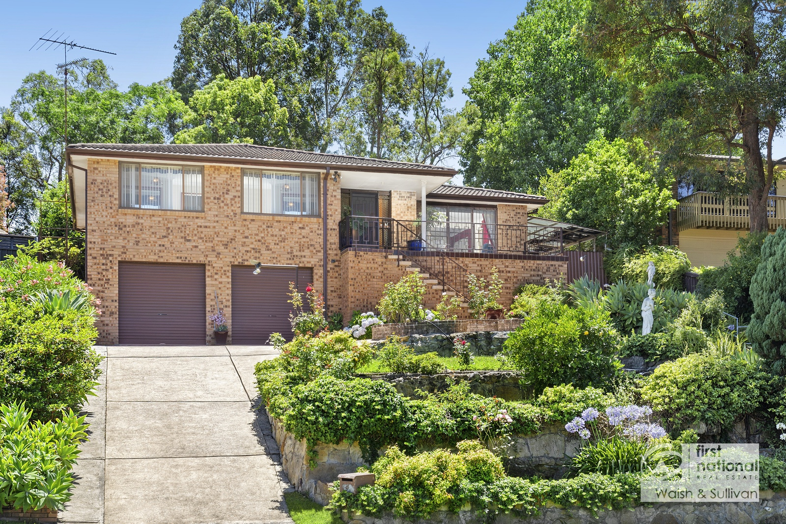 4 Andrew Place NORTH ROCKS