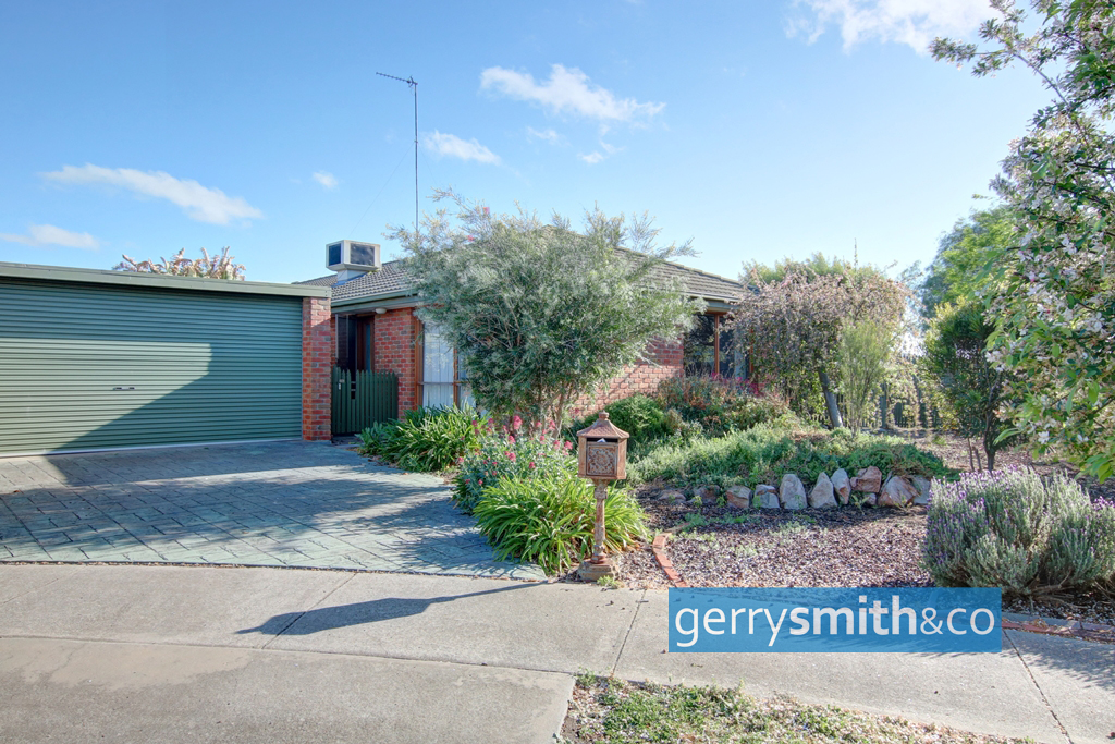 1 Clover Court HORSHAM