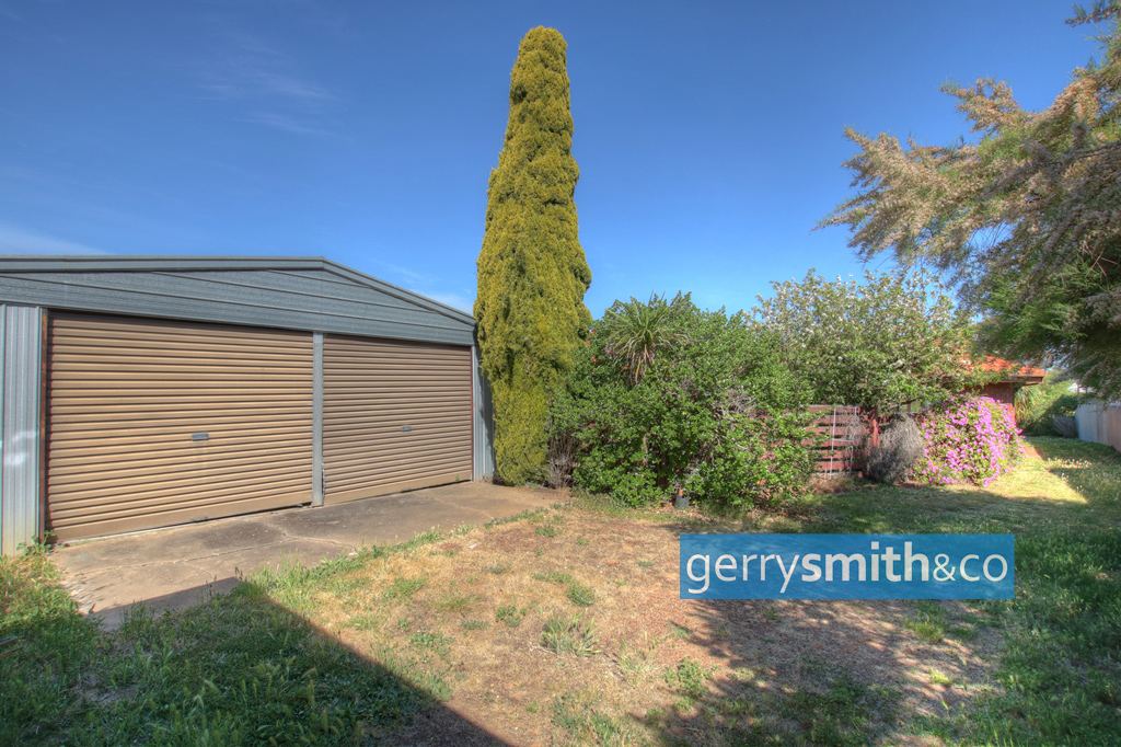 24 Penny Avenue HORSHAM