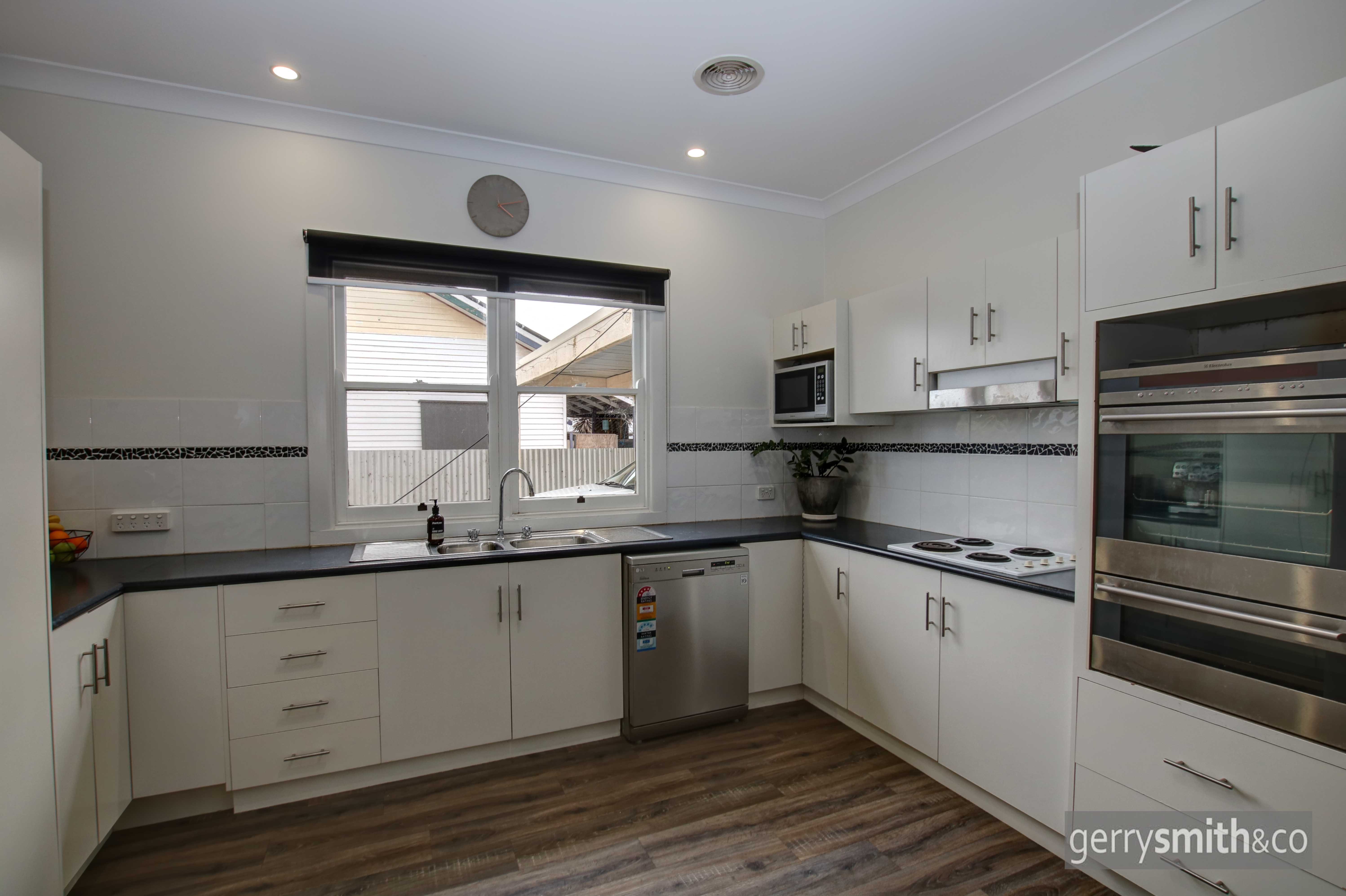 19 Williams Road HORSHAM