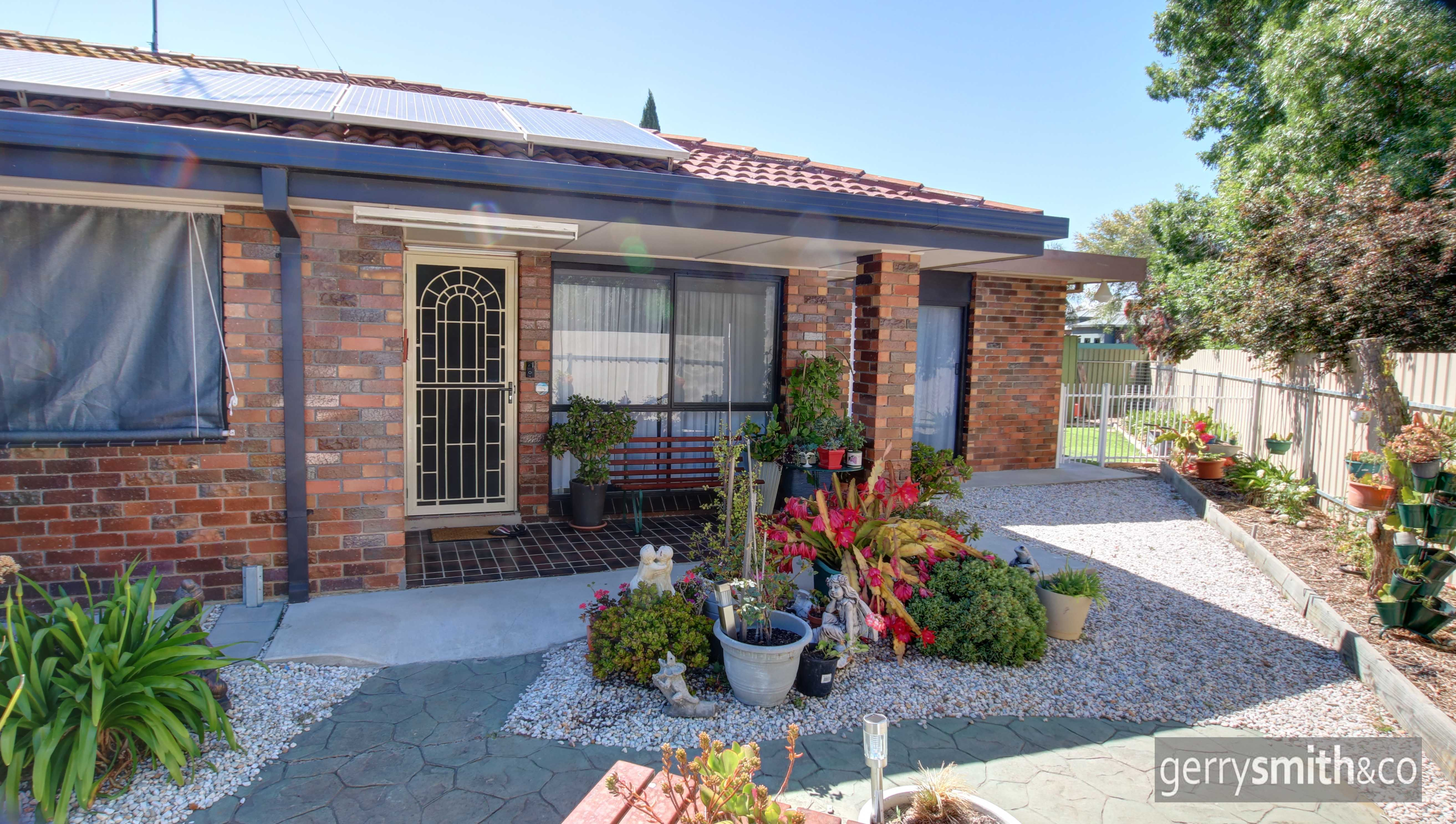 4/136 Dooen Road HORSHAM