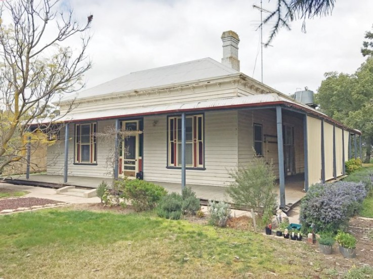 1060 Antwerp-Warracknabeal Road