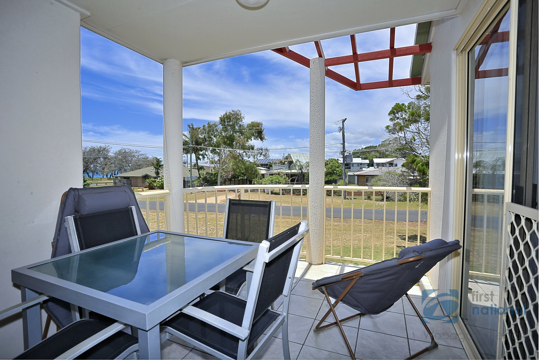 4/2 Poinciana Court WOODGATE