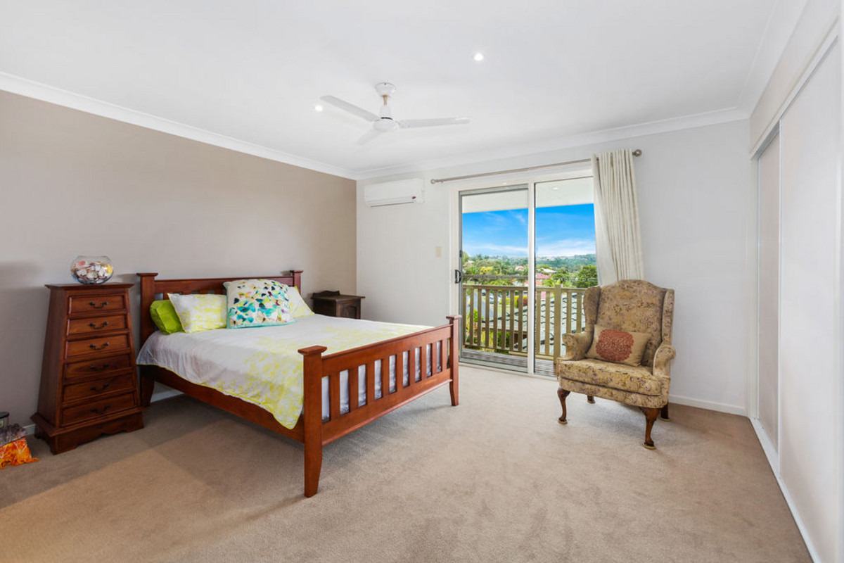 2/44 Honeymyrtle Drive Banora Point