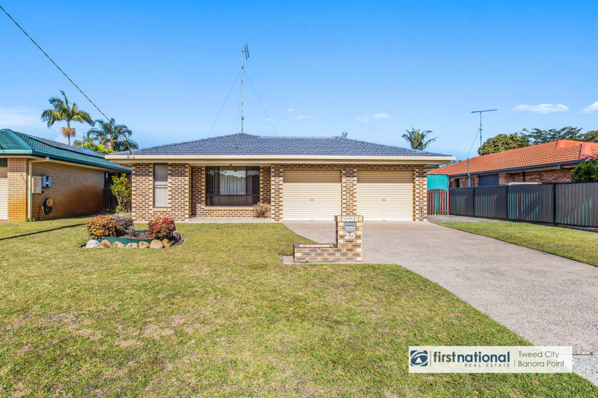 25 Blundell Boulevard Tweed Heads South