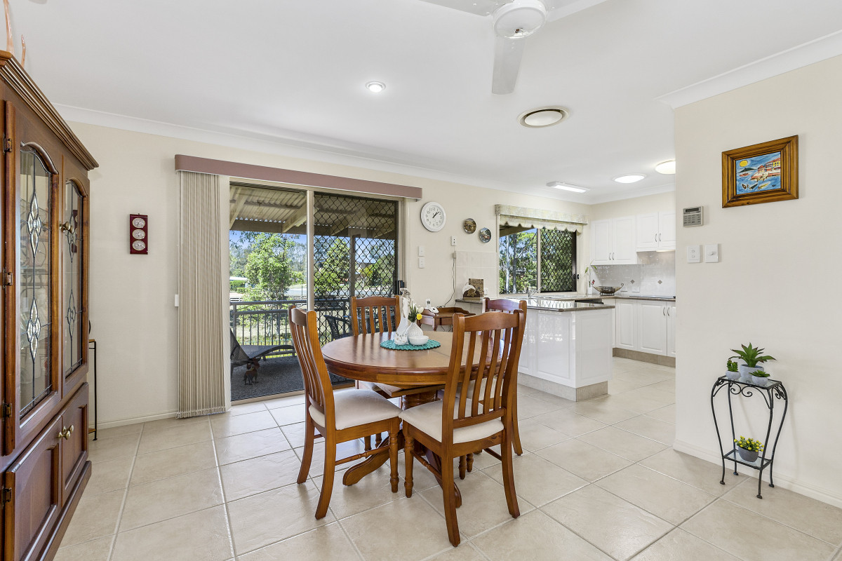 2/5 Daintree Close Banora Point