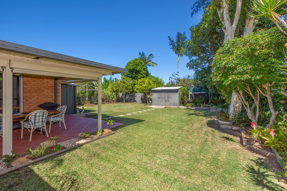 27 Blundell Boulevard Tweed Heads South